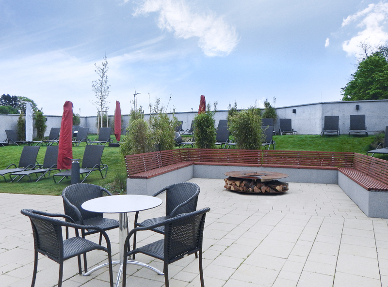 Outdoor-Feuer-Lounge